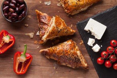 feta & olives samosa
